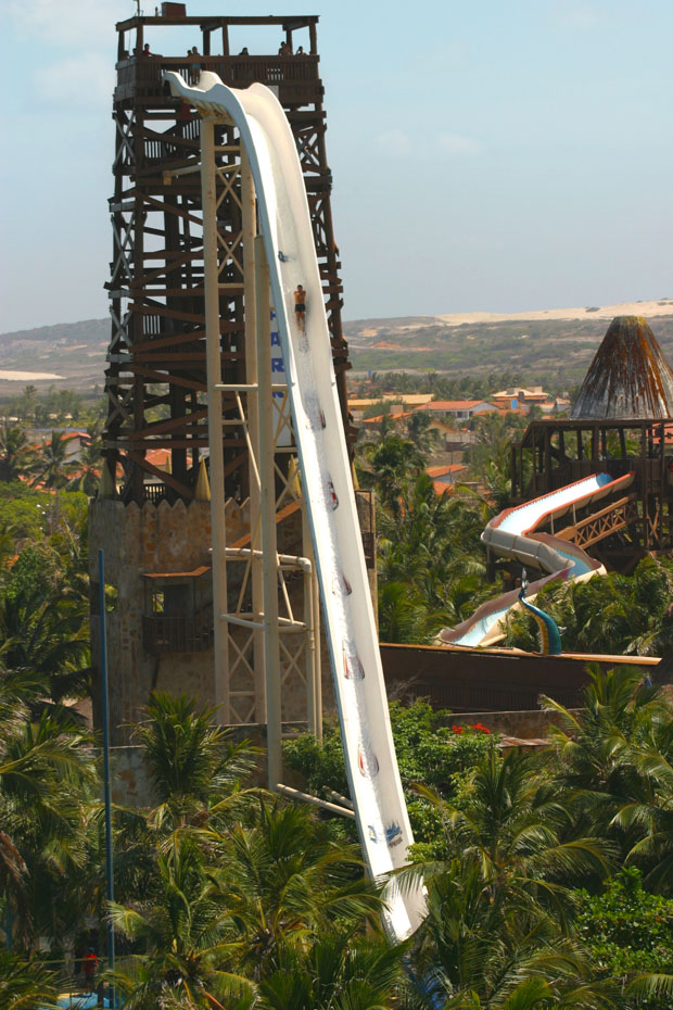 Insano the Highest Water Slide Bazil CubeMe2 Le plus grand toboggan du monde est au Brésil