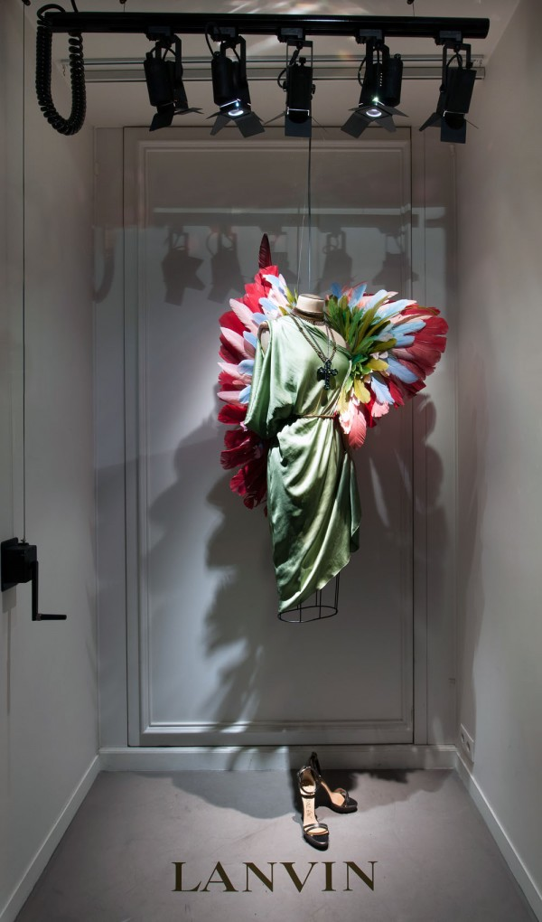 lanvin birds of paradise paris windows 12 600x1020 Scénographie Lanvin : la perfection atteinte