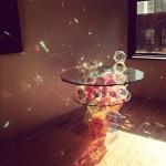 John Foster crée Sparkle Palace Cocktail Table, une table en cristaux
