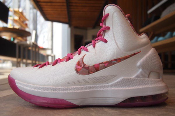 Nike KD 5 Aunt Pearl