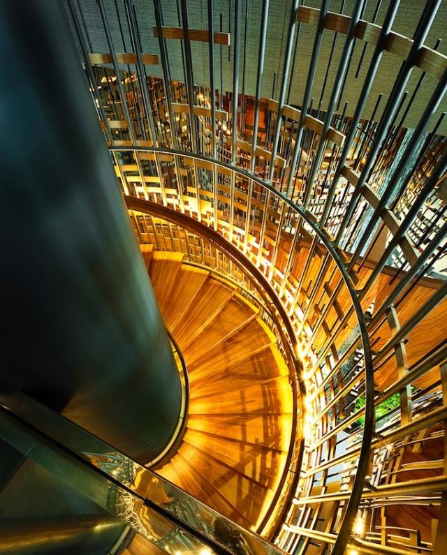 Parkroyal-Singapore-Architecture9-640x795
