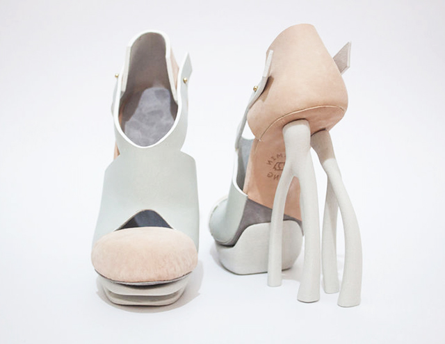 Chaemin-Hong-Bone-Inspired-3D-Printed-Shoes-High-Heels-Pumps-3