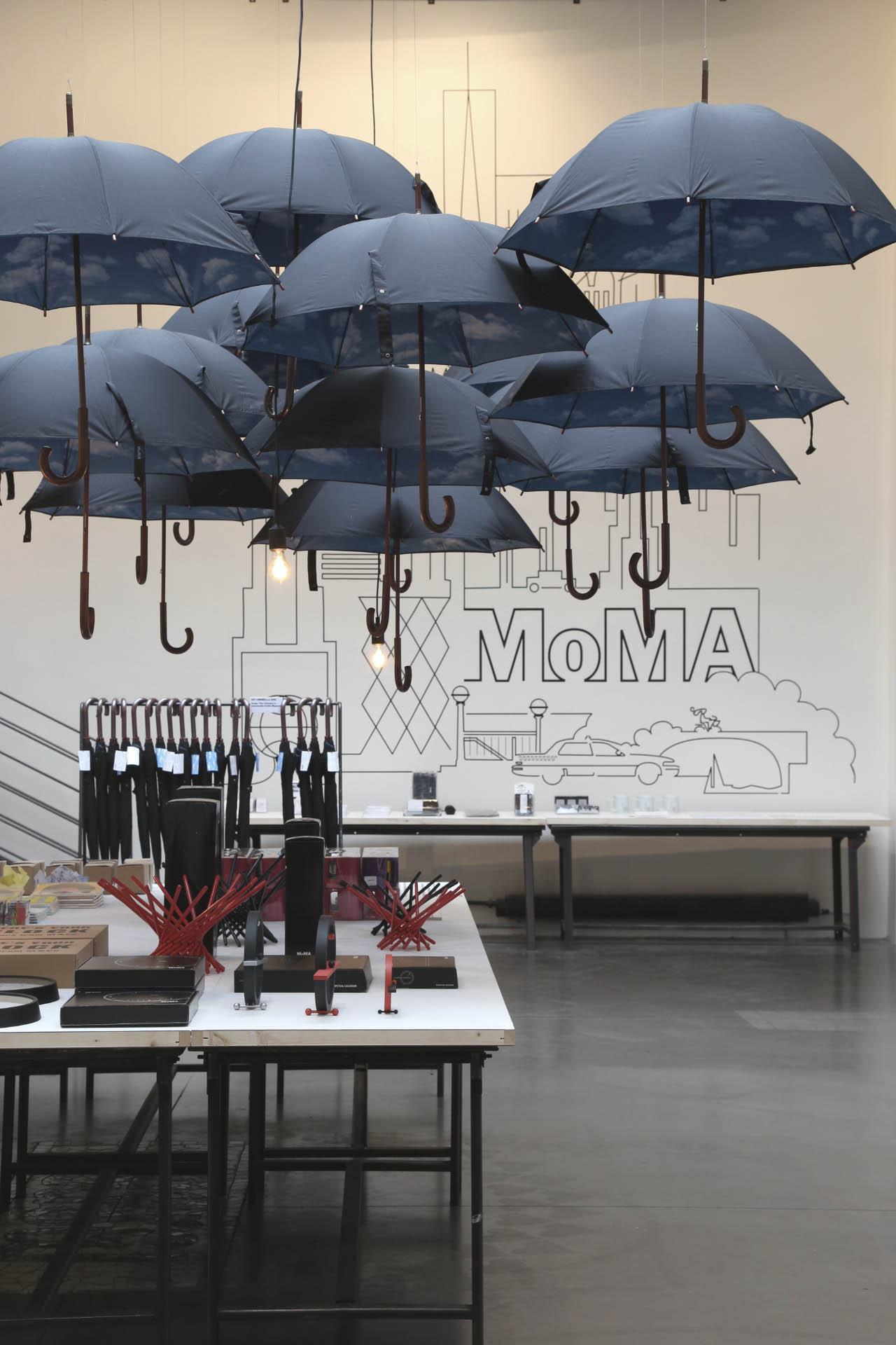 moma design store chez merci spanky few culture. Black Bedroom Furniture Sets. Home Design Ideas