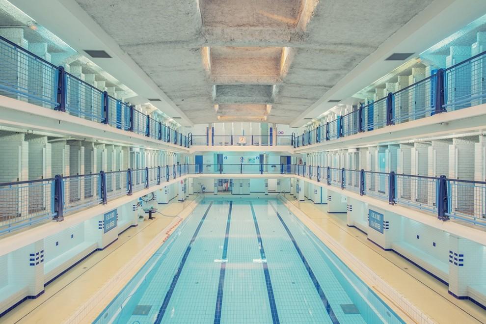 Les piscines parisiennes vides de franck bohbot spanky for Places to swim in paris
