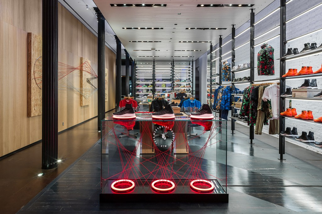 nike-presents-a-new-retail-experience-with-nikelab-1-1024x682