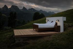 hotel-suisse-toggenburg-spanky-few
