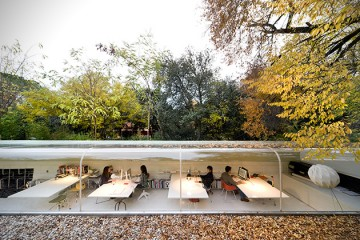 Selgas-Cano-Architecture-Officie-in-the-Woods-of-Madrid-2